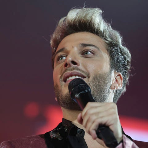 Blas Cantó durante una actuación