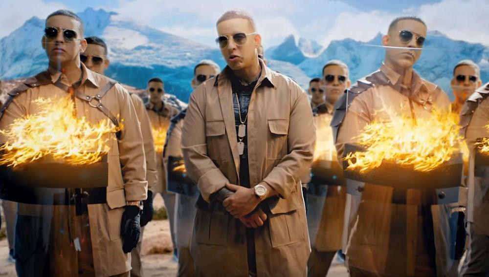 Daddy Yankee en el videoclip de 'Definitivamente'