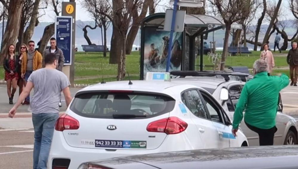 Secuencia de la pelea entre un taxista y un aficionado del Racing
