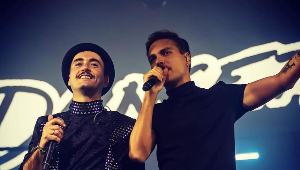 Óscar Ferrer de Varry Brava y Alberto Jiménez de Miss Caffeina en un concierto de Dancetería