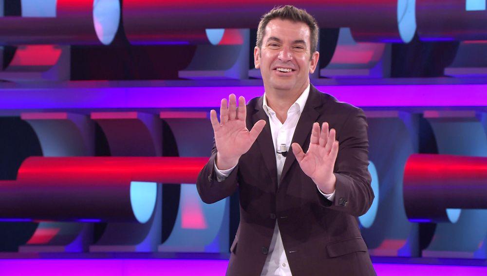 El chiste de Arturo Valls que provoca el 'enfado' de las señoras mayores en '¡Ahora caigo!'