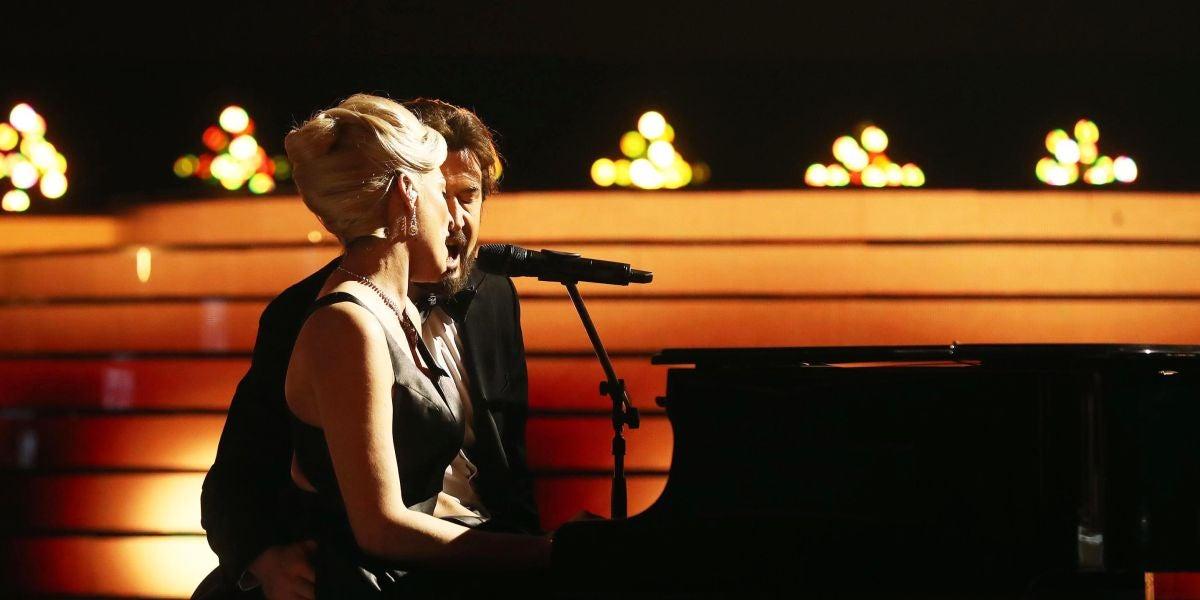 La mágica actuación de Rocío Madrid y Álex O'Dogherty como Lady Gaga y Bradley Cooper en 'Shallow'