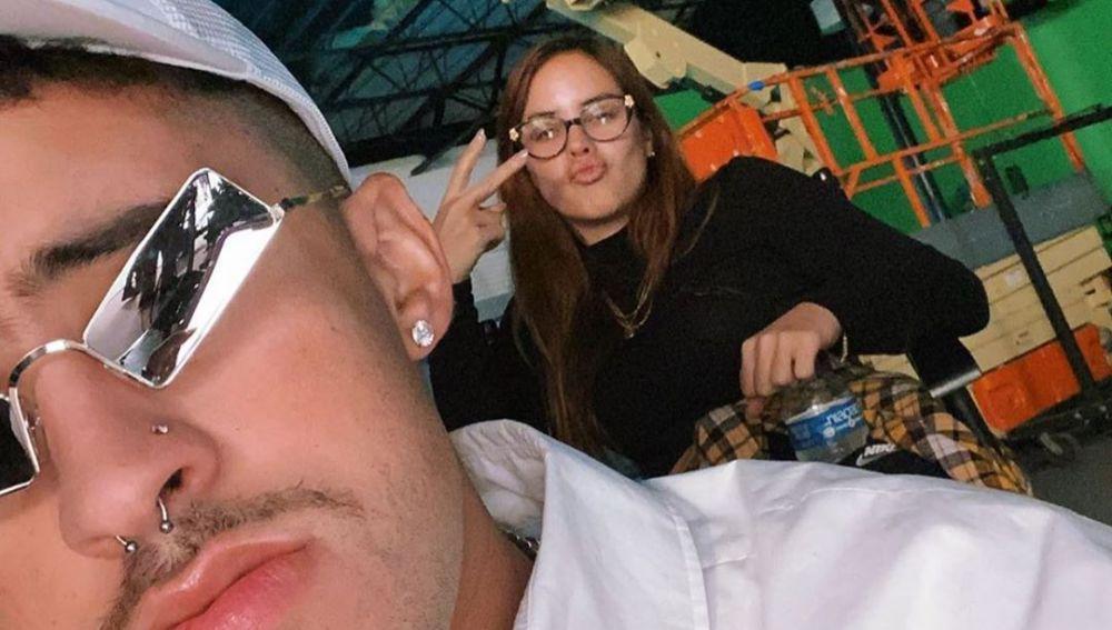 Bad Bunny publica la primera foto junto a su novia, Gabriela Berlingeri