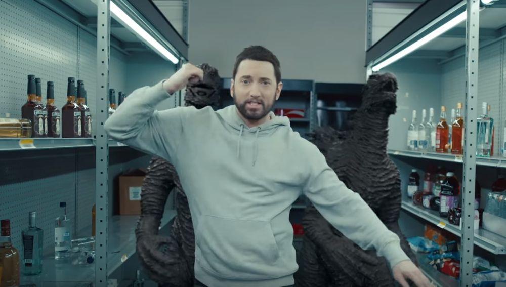 Eminem en el vídeo de Godzilla
