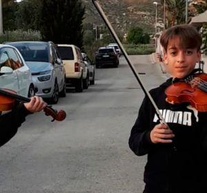 Mirko y Valerio, hermanos violinistas italianos