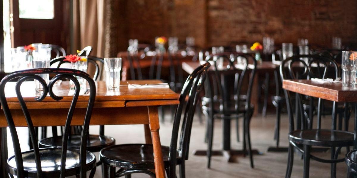 Los restaurantes abren su interior con un aforo un 50%