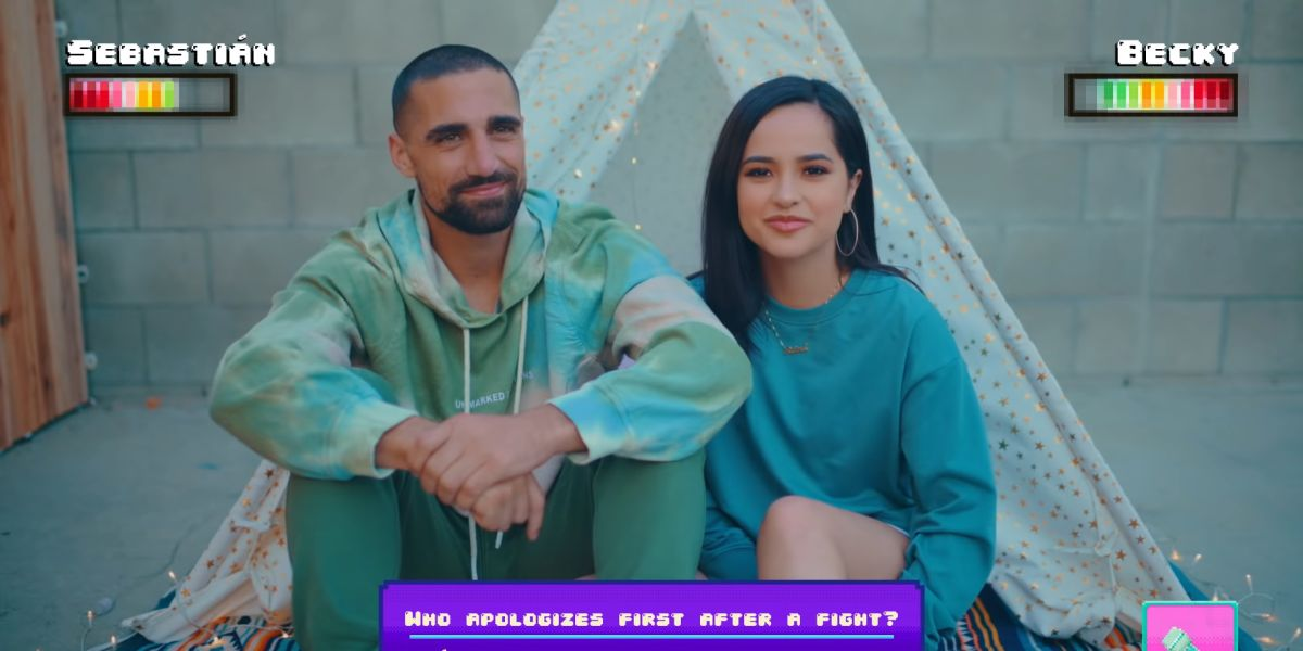 Becky G y su novio, Sebastian Lletget, en el vídeo de 'My Man'