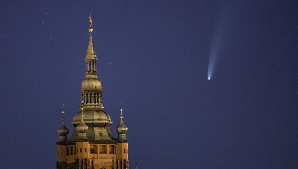 El cometa Neowise desde Praga