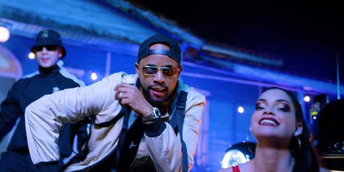 El Dany, integrante de Yomil y El Dany, en un vídeo musical