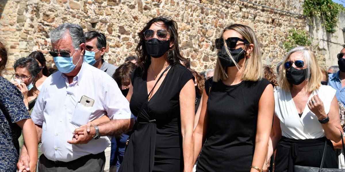 Paz Padilla y Ann Ferrer en el funeral de Antonio Juan Vidal