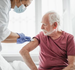 El 70 de los encuestados en Espana se vacunaria contra el coronavirus