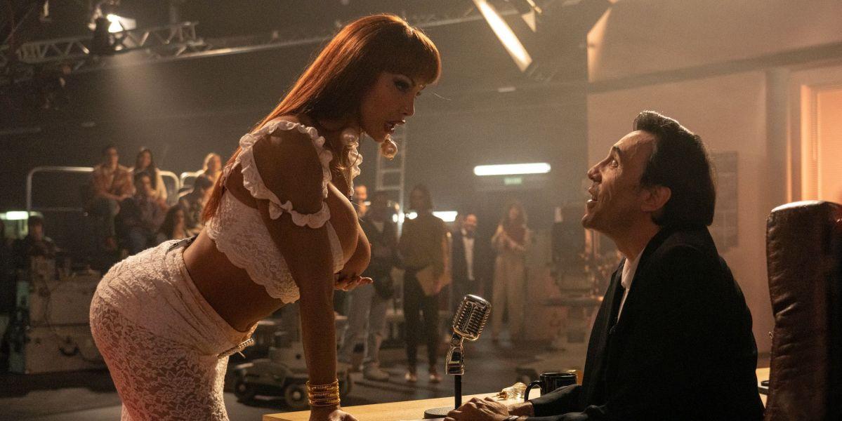 Daniela Santiago e Israel Elejalde, en una imagen promocional de la serie 'Veneno'