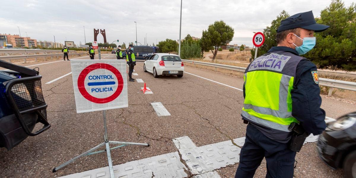 Controles a la entrada de Zaragoza, donde se ha decretado el cierre perimetral
