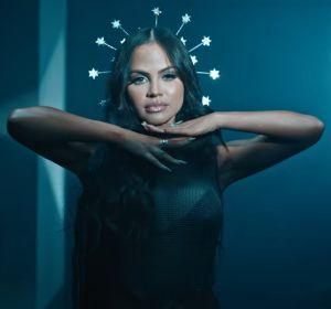 Natti Natasha en el videoclip de 'Diosa' de Myke Towers y Anuel AA