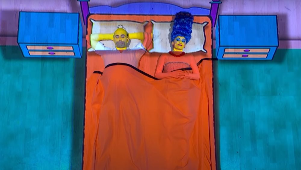 Max George y Dianne Buswell imitan a Los Simpson