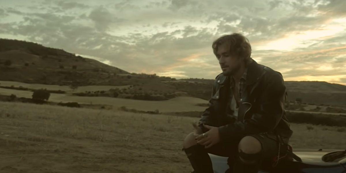 Dani Fernández en el vídeo de 'Puñales'