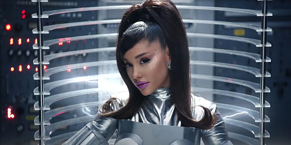 Ariana Grande en el vídeo de '34+35'