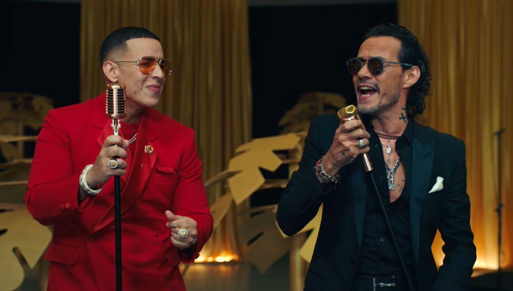 Daddy Yankee y Marc Anthony en el videoclip de 'De Vuelta Pa' La Vuelta'