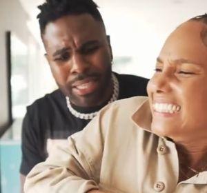 Jason Derulo y Alicia Keys en una broma para TikTok