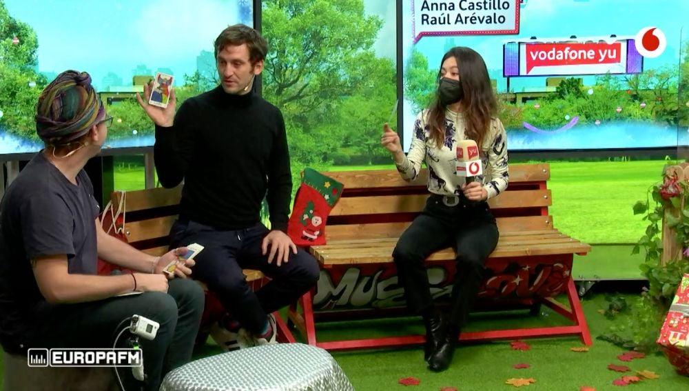 Raúl Arévalo y Anna Castillo en 'yu'