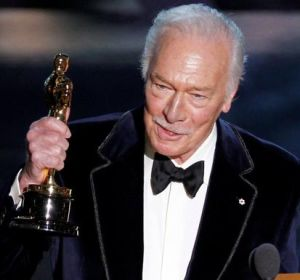 El actor Christopher Plummer, con un Oscar