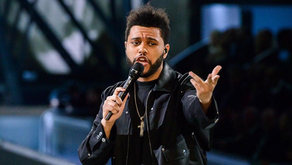 The Weeknd en el desfile de Victoria's Secret en París.