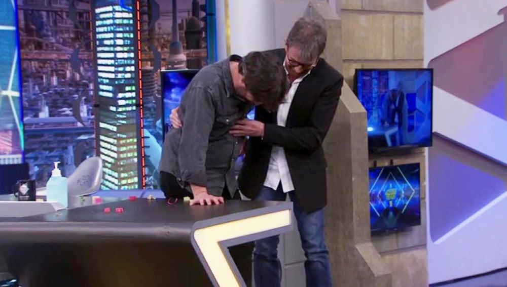 "Un ataque de cataplexia de Jordi Évole asusta a Pablo Motos en directo: ""He sentido cuando te ibas"""