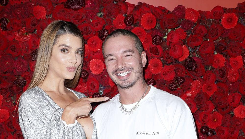 Valentina Ferrer y J Balvin