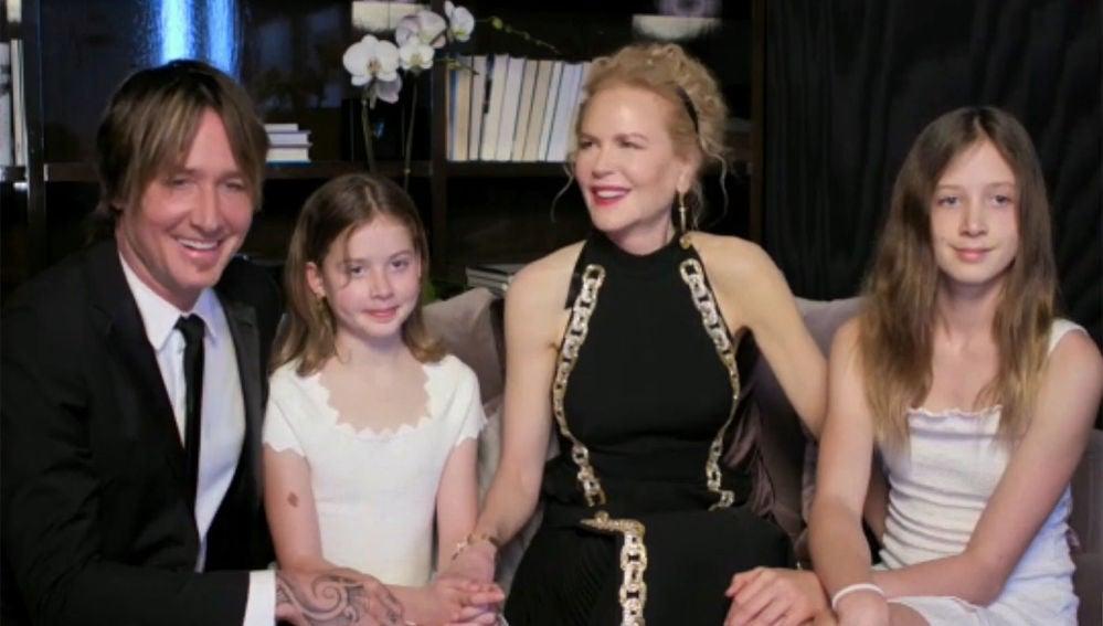 Keith Urban y Nicole Kidman junto a sus hijas