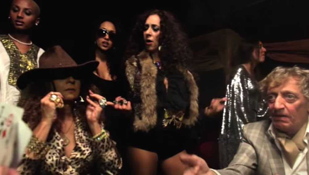 Lolita, Rosario y Quique San Francisco en el vídeo 'Gipsy Funky Love Me Do'