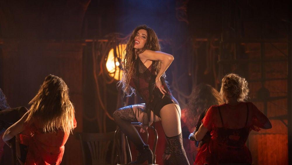 Pilar Rubio desprende fantasía y sensualidad con el espectacular número de Fergie en el musical 'Nine'