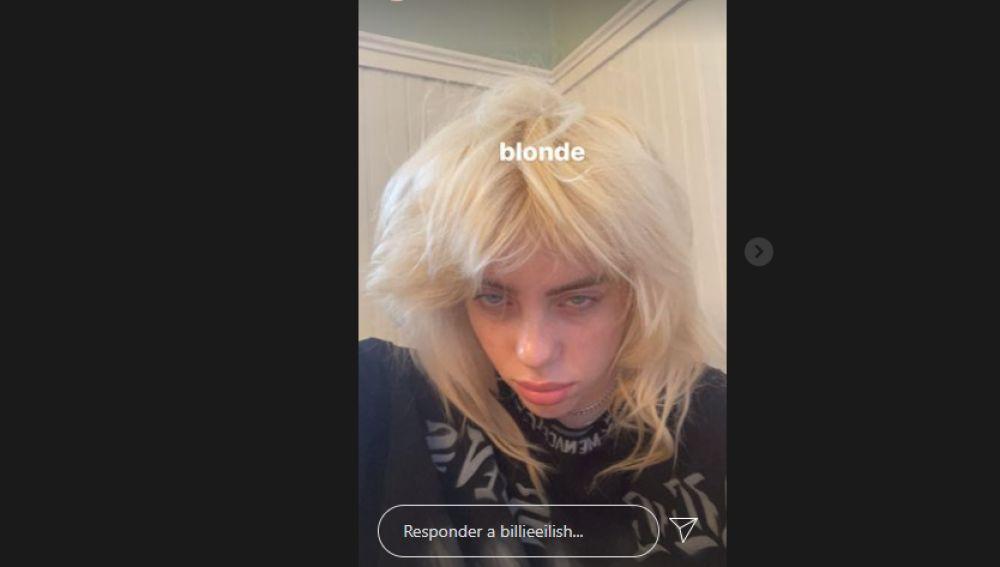 Billie EIlish cambia su melena y se pasa al rubio