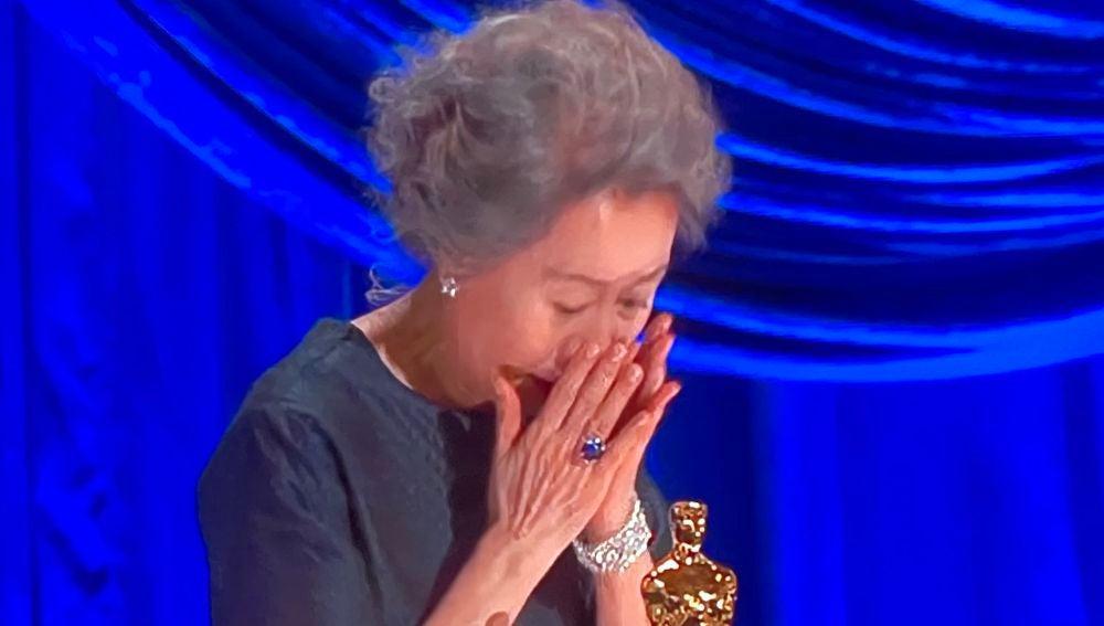 Sí sólo puedes ver un discurso de los Oscar, que sea el de Yuh-Jung Youn