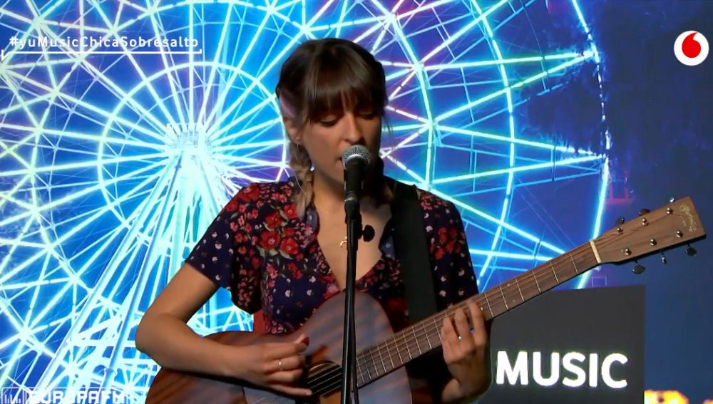 Chica Sobresalto canta 'Dopamina' en 'yu Music'