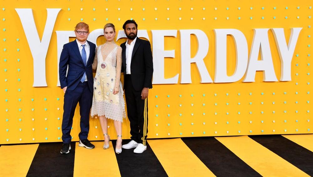 Ed Sheeran, Lily James y Himesh Patel