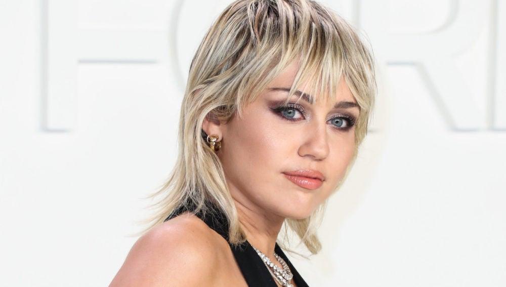 El sensual baile en tanga con el que Miley Cyrus ha calentado la red