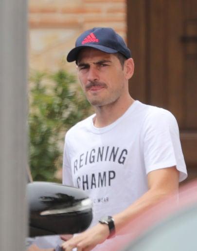 """""""Es acojontante"""": Iker Casillas niega su entrevista con una revista del corazón"""