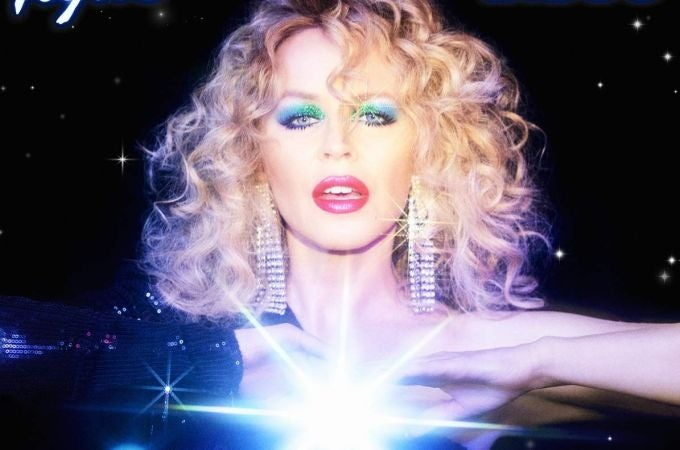 Kylie Minogue versiona Marry The Night