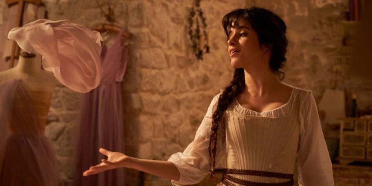 Así es Camila Cabello como Cenicienta