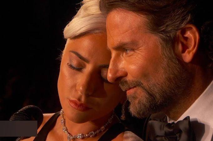 Lady Gaga y Bradley Cooper cantando Shallow