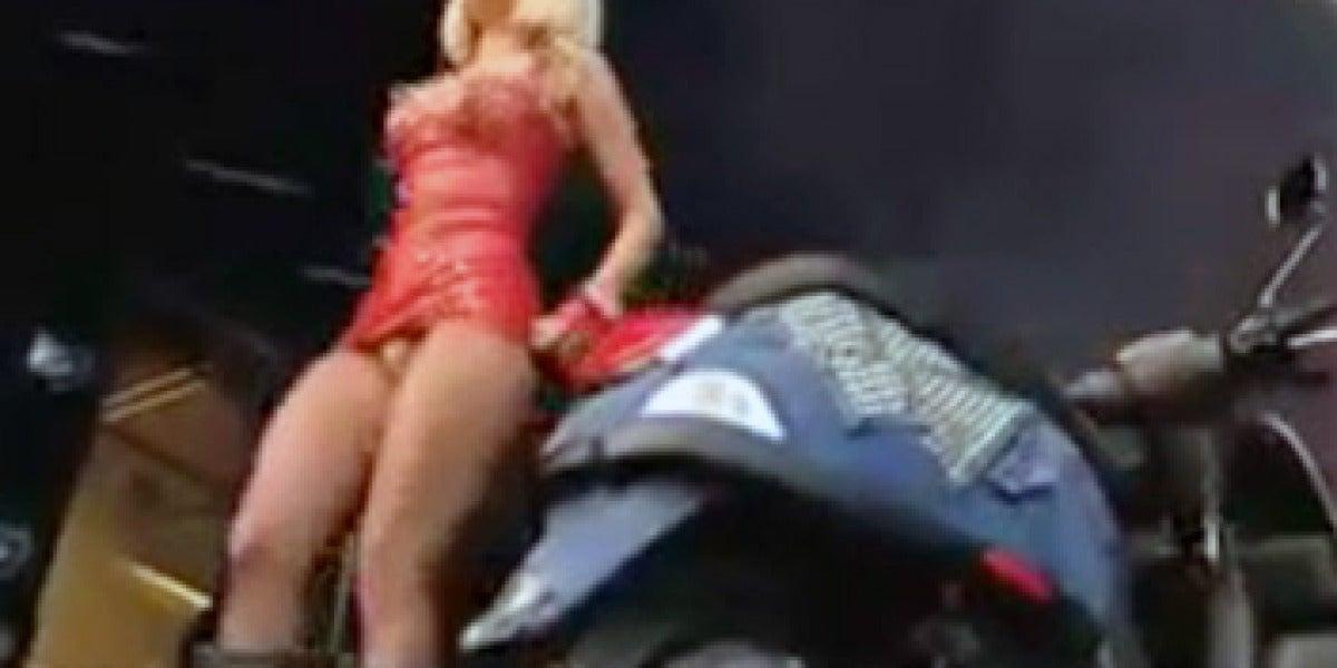Lady Gaga enseña sus partes