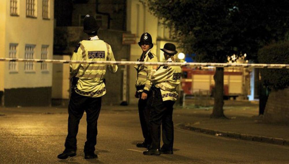 Cinco personas mueren apuñaladas en Jersey