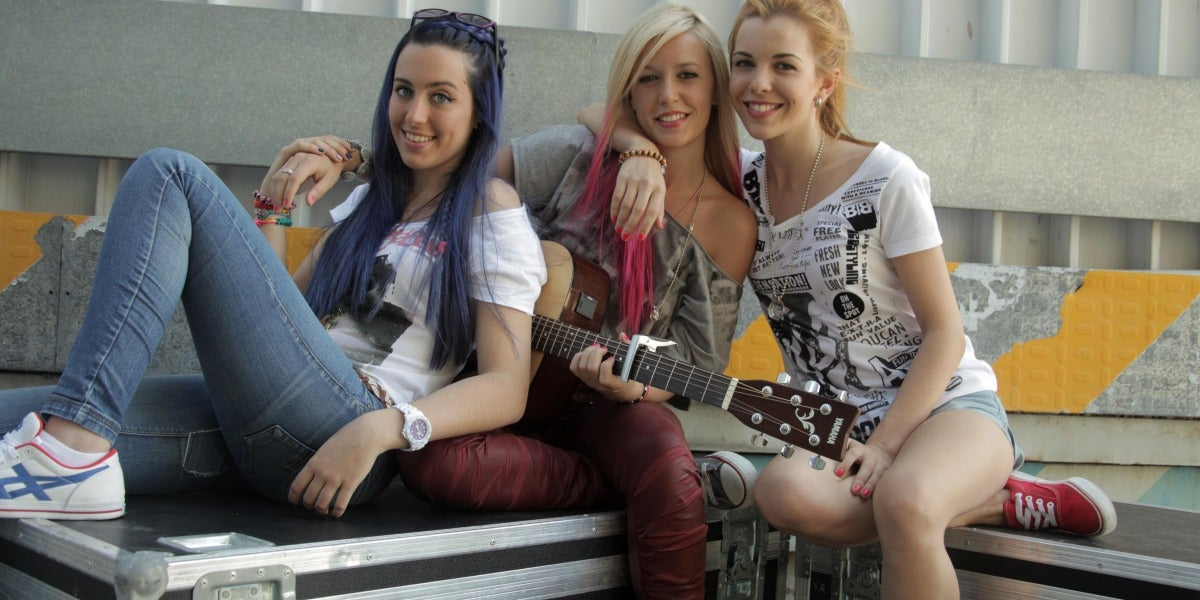 La girlband del momento, Sweet California