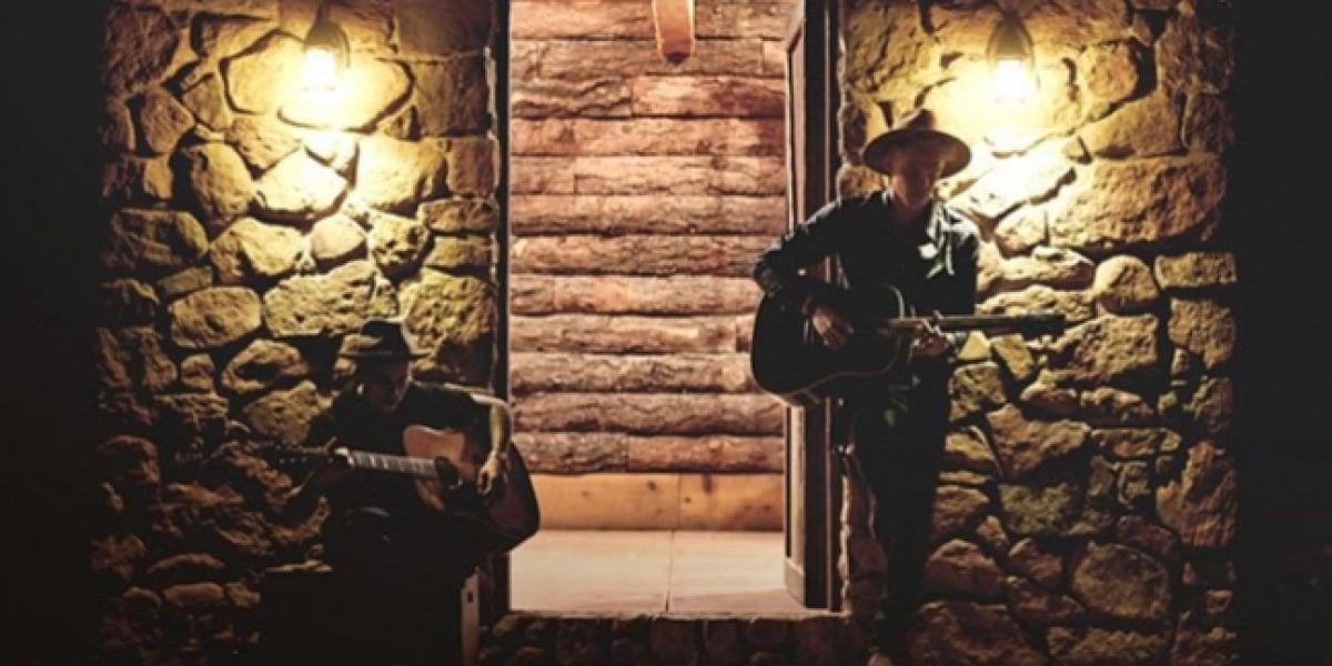 Justin Bieber y Cody Simpson estrenan 'Home to mama'