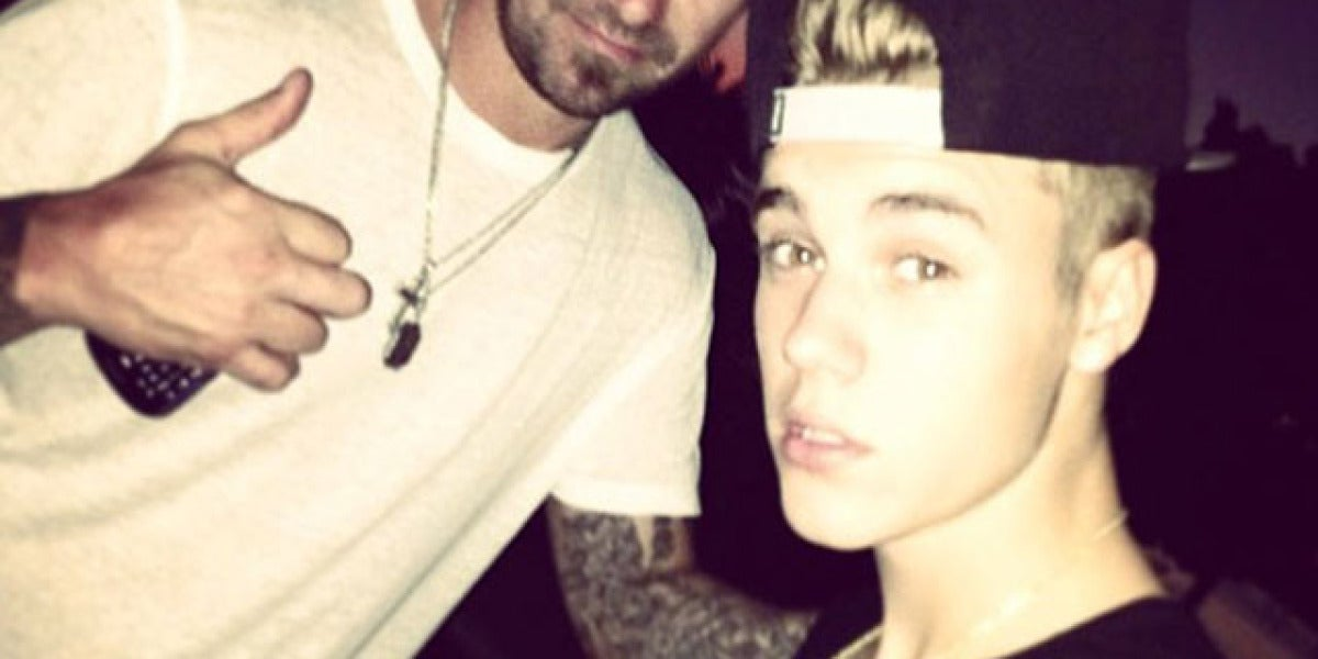 Justin, junto a su padre Jeremy Bieber