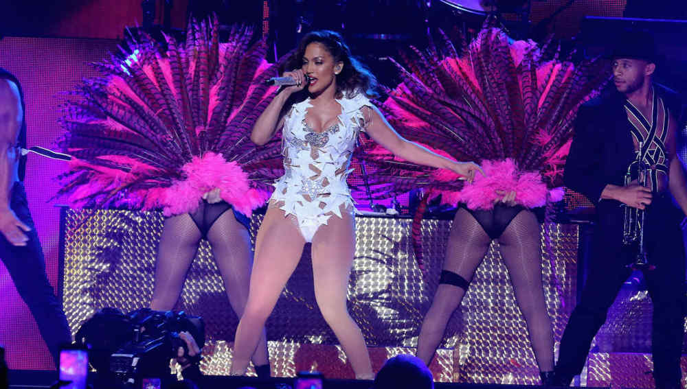 Jennifer Lopez en la Fiesta Latina iHeart Radio 2015