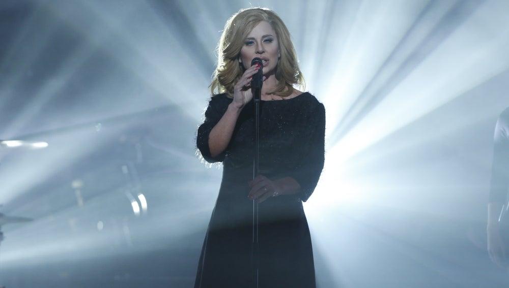 Vicky Larraz imita a Adele