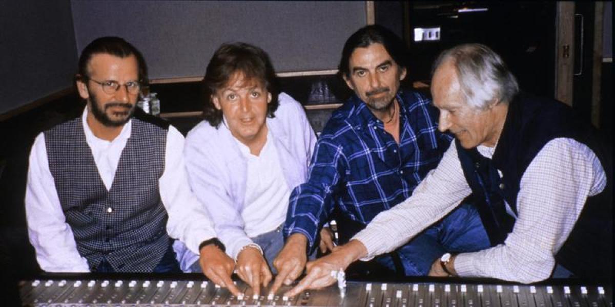 George Martin en los estudios de Abbey Road