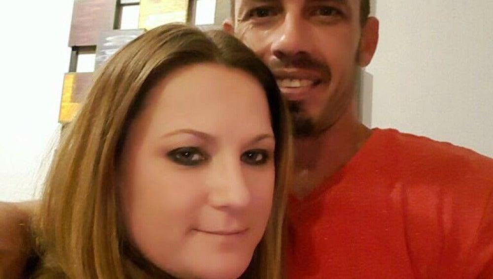 Jennifer Mulford y Brad Leeson mantienen una relación de amamantamiento adulto