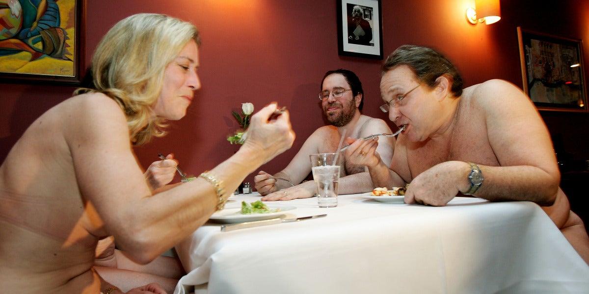 Imagen de archivo de un restaurante nudista